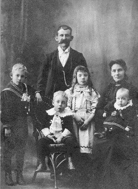 photograph: George Robert Dumville (1865-1936) and family